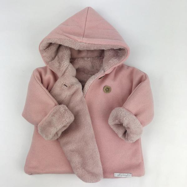 Abrigo Urban rosa abierto