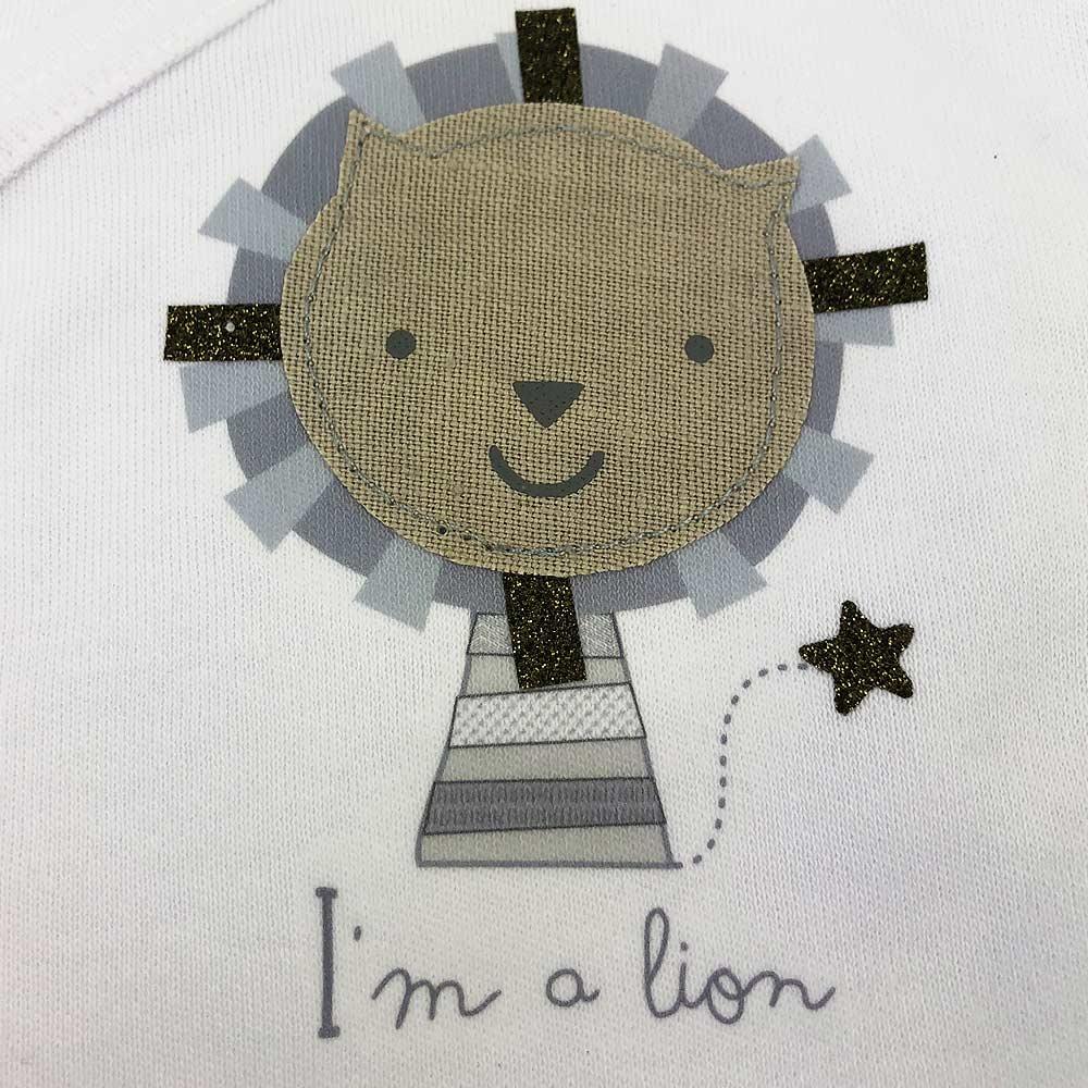 Conjunto lion gris detalle
