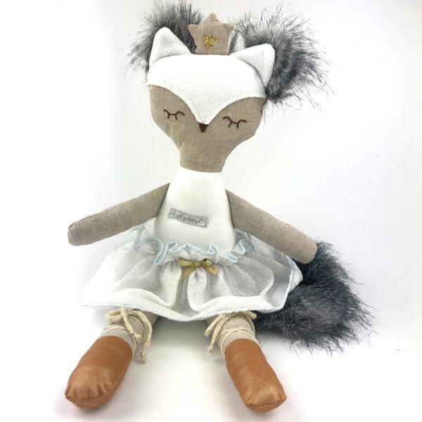 muñeca fox blanca