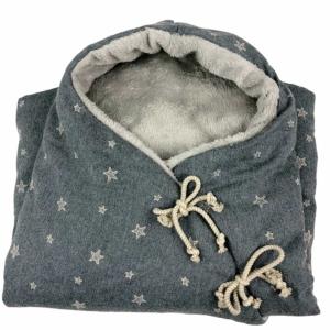 saco gris estrellas